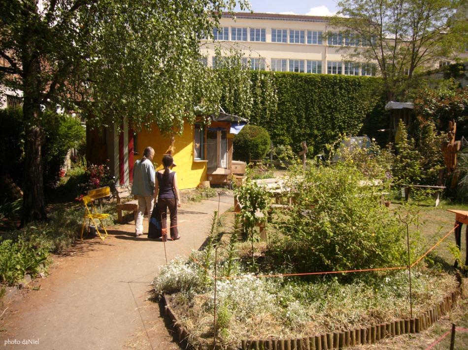 alice-garden-16