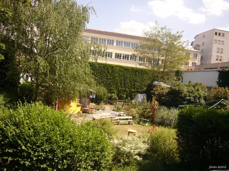 alice-garden-5